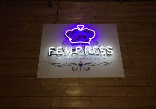 Fempress Fit Sign